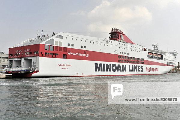 HighSpeed Ferries  Europa Palace  Baujahr 2000  214m  600 PKW  Minoan Lines  Venedig  Venetien  Italien  Europa