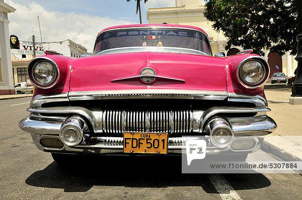 Auto  parken  Karibik  Klassisches Konzert  Klassik  Cienfuegos  Kuba