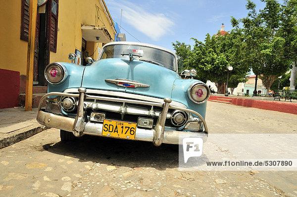 Auto  Geschichte  parken  Karibik  Chevrolet  Trinidad und Tobago  Klassisches Konzert  Klassik  Kuba  Ortsteil