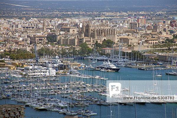 Europa Palast Schloß Schlösser Geschichte Ansicht Balearen Balearische Inseln Ortsteil Mallorca Mittelmeer Palma de Mallorca Spanien