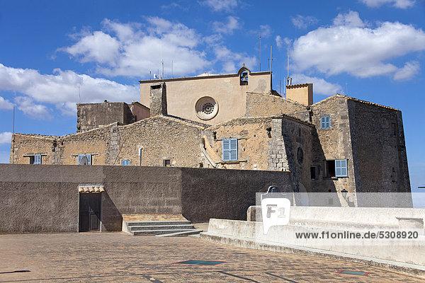 Santuari de Sant Salvador monastery  Santuario de San Salvador  founded in 1342  on Puig de Sant Salvador mountain  509m  near Felanitx  Majorca  Balearic islands  Spain  Europe