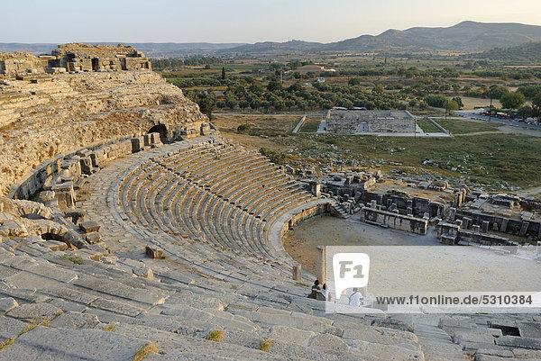 Ruinen von Milet  Miletos  Miletus  Milatos  griechisch-römisches Amphitheater  bei der heutigen Ortschaft Balat  Provinz Aydin  Südägäische Küste  Südwesttürkei  Westküste  Westtürkei  Türkei  Europa  Vorderasien  Asien