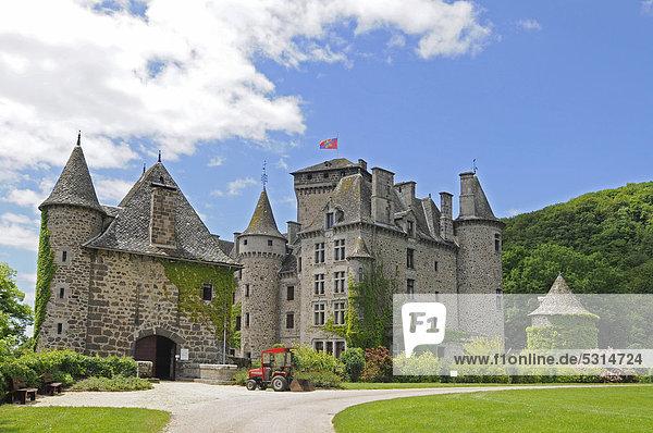 Chateau de Pesteils  Burg  Polminhac  Auvergne  Frankreich  Europa