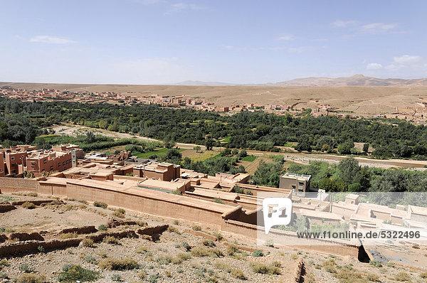 Straße der Kasbahs  bei Ait Benhaddou  Marokko  Afrika