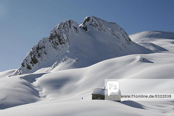 Schneeberge  Zollhütte  Winterlandschaft  Zanderstal  Samnaun  Schweiz  Europa