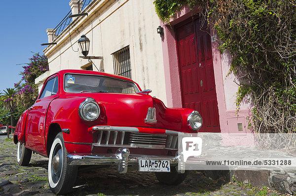 Wohnhaus Auto frontal Klassisches Konzert Klassik Südamerika Uruguay