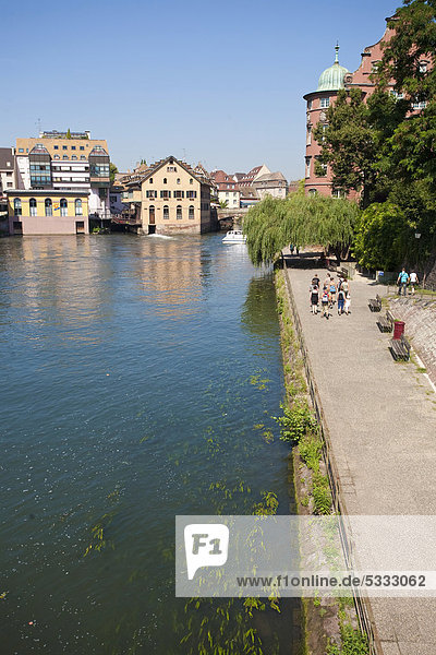 River Ill  entrance to the tanners' quarter and Petit France  Strasbourg  Alsace  France  Europe