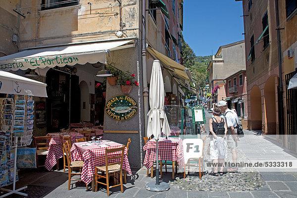 Europa Straße Restaurant frontal Italien Ligurien Mittelmeer alt Portofino