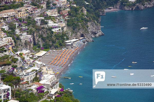Europa Strand Stadt Ansicht UNESCO-Welterbe Amalfiküste Kampanien Italien Positano