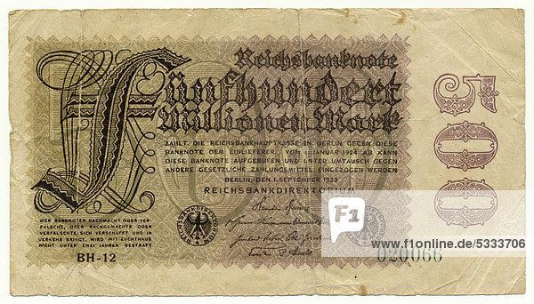 Vorderseite einer Banknote  Reichsbanknote  500 Millionen Mark  1923  Inflationsgeld  Deutschland  Europa