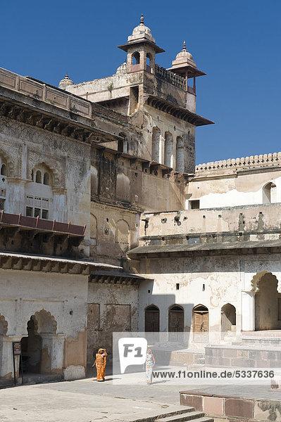 Innenhof  Raj Mahal Palast  Orchha  Madhya Pradesh  Nordindien  Indien  Asien