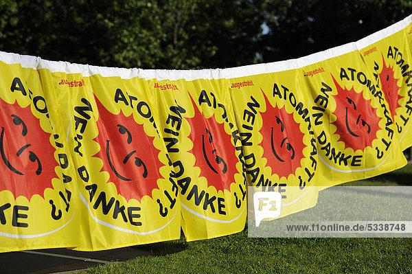 Hängeplakate Atomkraft? Nein danke  gegen Atomstrom