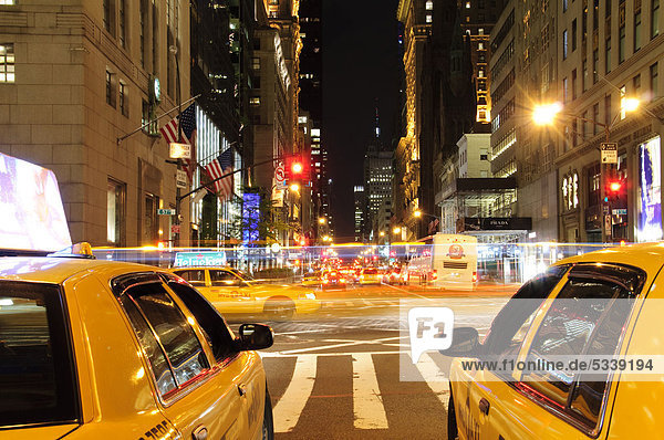 Yellow cabs  5th Avenue  New York City  New York  USA