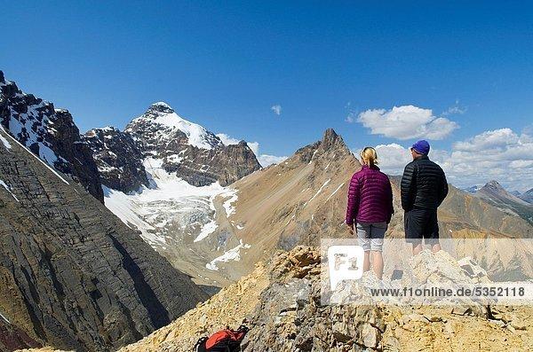 entfernt  Berggipfel  Gipfel  Spitze  Spitzen  Bewunderung  wandern  Ansicht  Berg