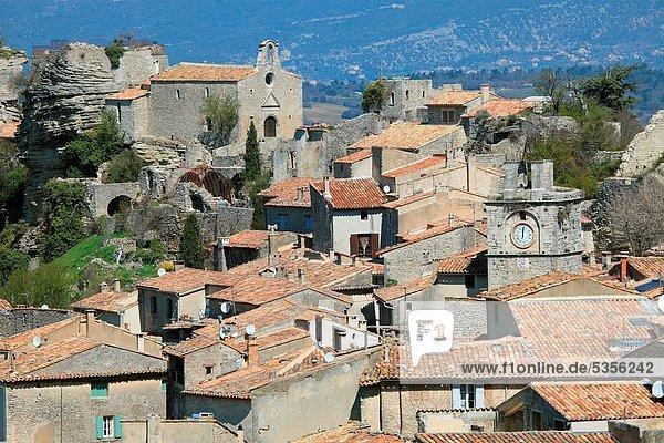 The Provence village of Saignon  Vaucluse  Luberon  Provence-Alpes-Côte d´Azur  France  Europe