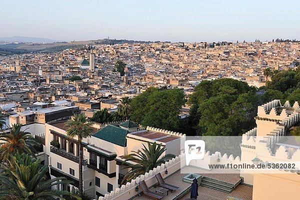 Nordafrika  Fès  Fez  Hotel  Hintergrund  Reichtum  Garten  Veranda  Marokko