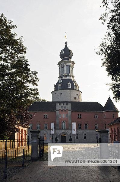 Schloss Jever  Jever  Ostfriesland  Niedersachsen  Deutschland  Europa