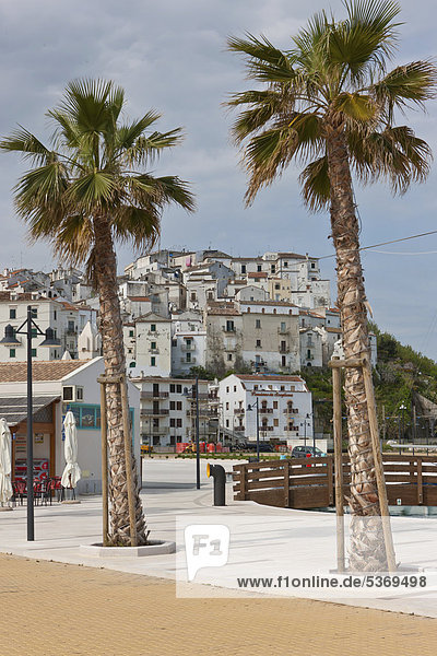 Die Altstadt von Rodi Garganico  Gargano  Foggia  Apulia  Apulien  Süditalien  Italien  Europa