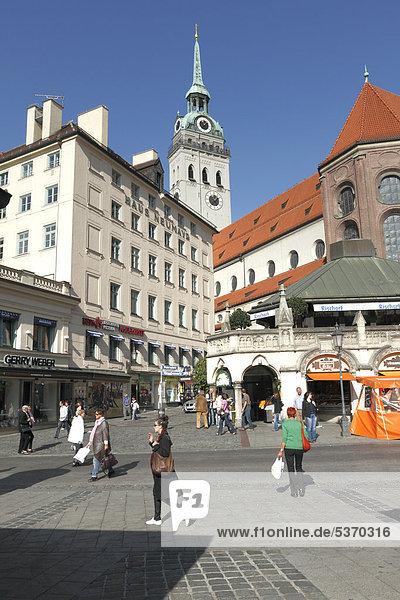 St. Peter Kirche  Alter Peter  Uhr- und Glockenturm  München  Oberbayern  Deutschland  Europa