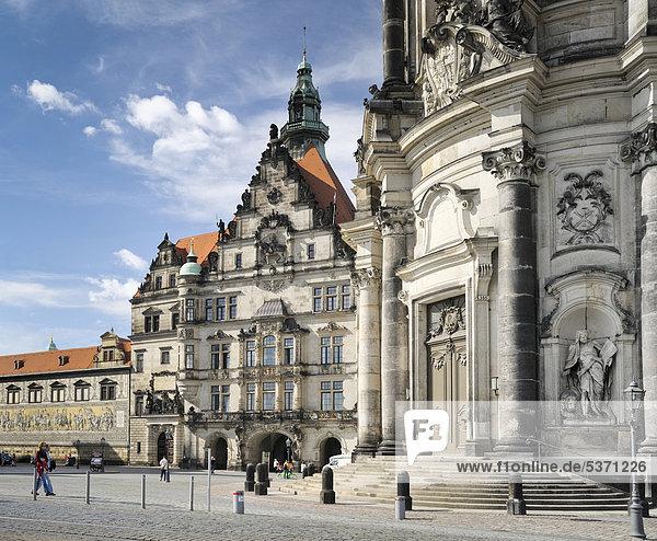 Georgentor und Hofkirche  Dresden  Sachsen  Deutschland  Europa