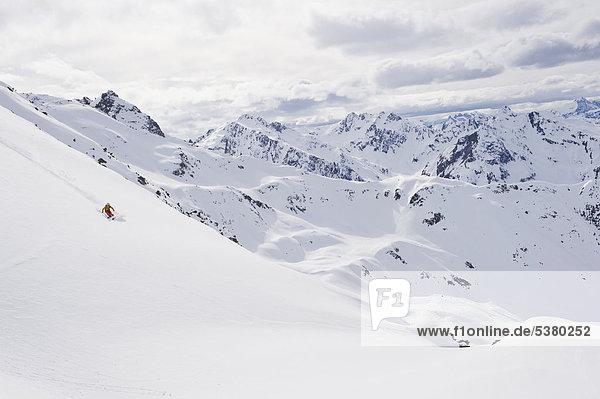 Österreich,  Stuben,  Junge Frau Telemark am Arlberg