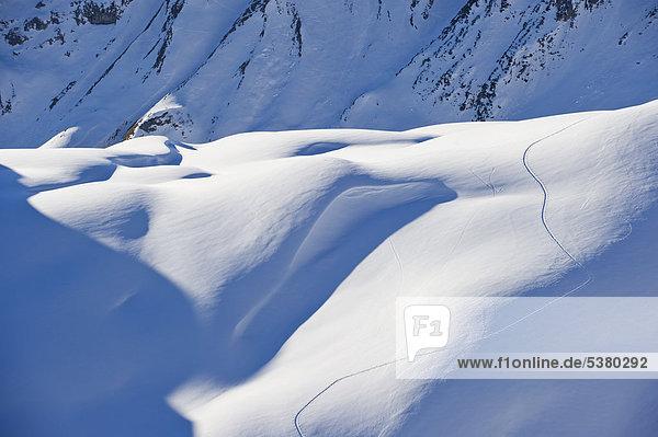 Österreich  Zuers  Skipisten im Schnee
