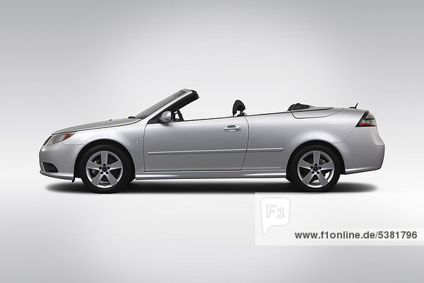 Saab 9-3 2.0T 2011 in Silber - Treiber Seite Profil