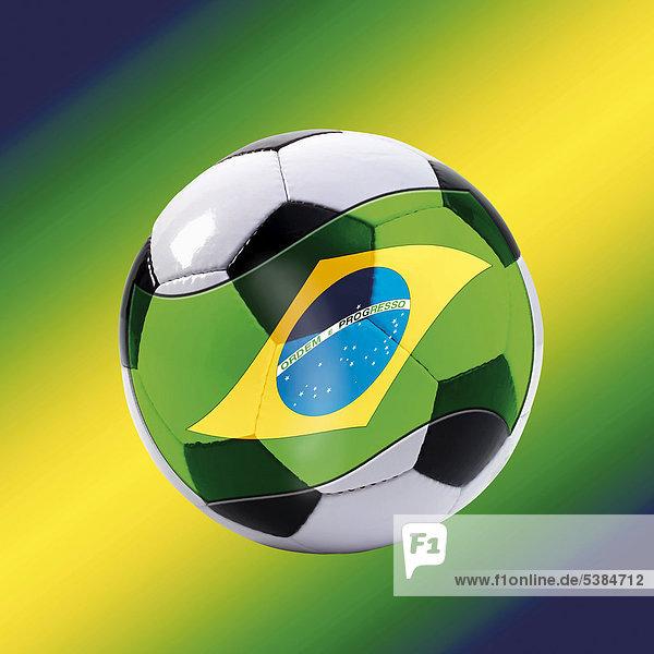 Fußball mit Brasilienflagge