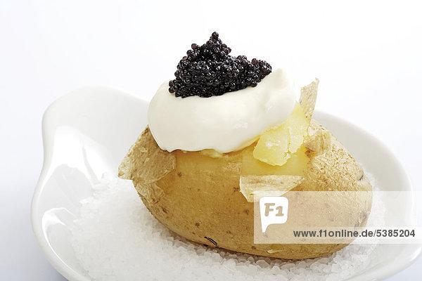 Joghurt Kartoffel Kaviar gebacken Meersalz