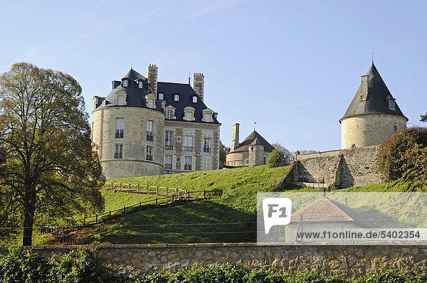 Chateaux  Schloss  Dorf  Gemeinde  Apremont-sur-Allier  Bourges  Departement Cher  Centre  Frankreich  Europa  ÖffentlicherGrund