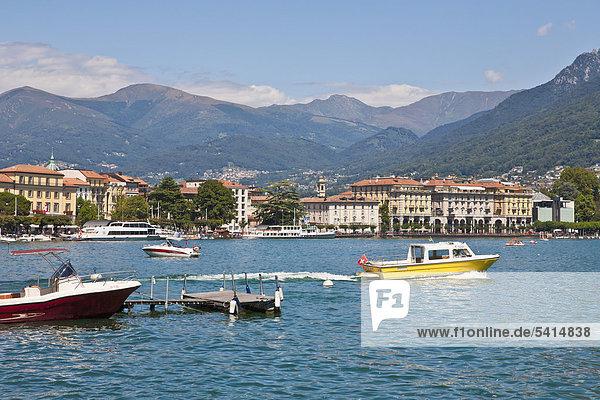 Wassertaxi vor Lugano  Luganer See  Luganersee  Lago di Lugano  Tessin  Schweiz  Europa