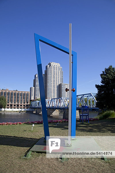 '''Portal''  a sculpture by Christopher Weed  one of the entries in the international ArtPrize competition in which 1  582 art works were displayed in 164 locations around the city  voting by visitors determines the winner of the $250  000 top prize  Grand Rapids  Michigan  USA'
