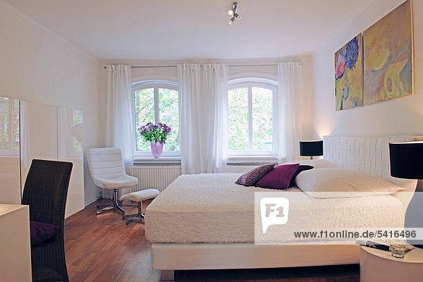über Schlafzimmer Bett Gemälde Bild modern