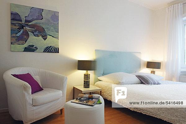 Wand Schlafzimmer streichen streicht streichend anstreichen anstreichend modern