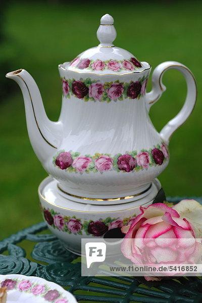 Wasserkrug auf einen warmen Tee