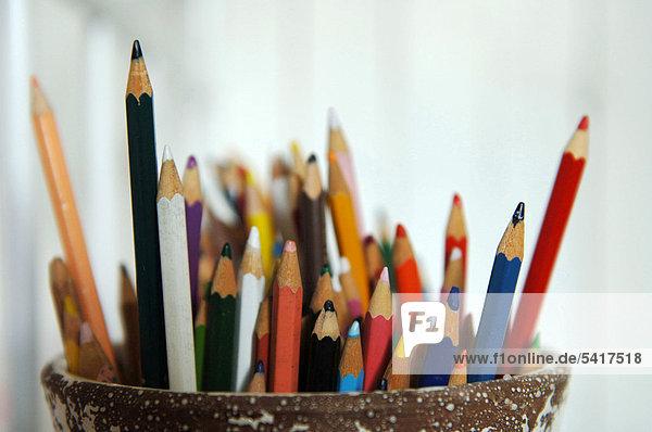 Farbstiften in Stifthalter