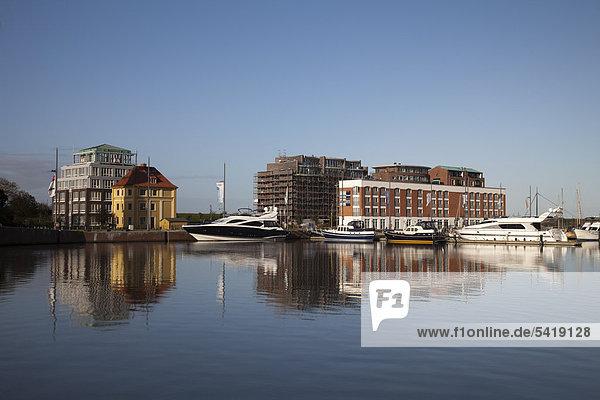 Neuer Hafen  Havenwelten  Bremerhaven  Weser  Nordsee  Niedersachsen  Deutschland  Europa  ÖffentlicherGrund