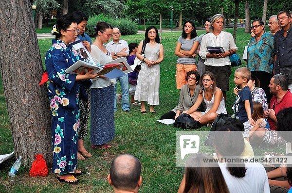überleben  Nostalgie  Fest  festlich  August  Bologna  Bombe  Hiroshima  Italien  japanisch  vorlesen