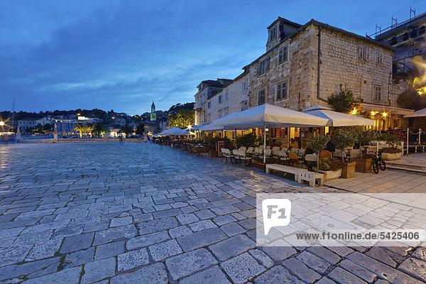 Stefansplatz  Stadt Hvar  Insel Hvar  Mitteldalmatien  Dalmatien  Adriaküste  Kroatien  Europa  ÖffentlicherGrund