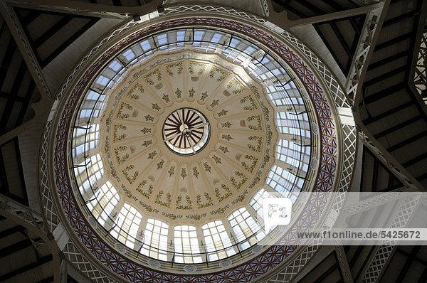 Kuppel  Markthalle Mercado Central  Valencia  Spanien  Europa