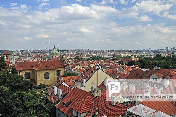 Prag Hauptstadt Panorama Europa Geschichte Tschechische Republik Tschechien Ansicht UNESCO-Welterbe Böhmen