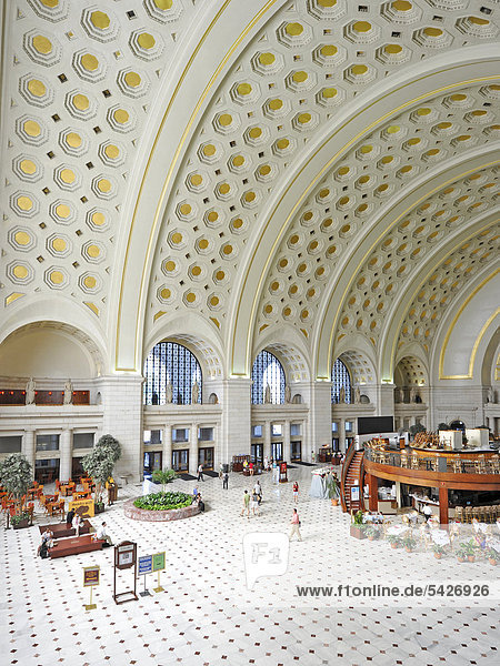 Innenaufnahme Great Main Hall  Wartesaal  Bahnhof  Union Station  Washington DC  District of Columbia  Vereinigte Staaten von Amerika  USA