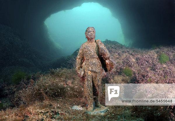 Unterwassermuseum mit der Ausstellung Rote Führer  Wladimir Iljitsch Uljanow bzw. Lenin  Skulptur  Kap Tarhankut  Tarhan Qut  Krim  Ukraine  Osteuropa  Europa