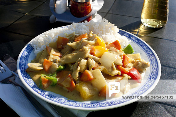 Thai Curry Huhn mit Reis