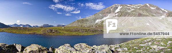 Blick auf Kofelraster See  hinten der Hohe Dieb  beim Aufstieg zum Hohen Dieb  Ultental  Südtirol  Italien  Europa Blick auf Kofelraster See, hinten der Hohe Dieb, beim Aufstieg zum Hohen Dieb, Ultental, Südtirol, Italien, Europa