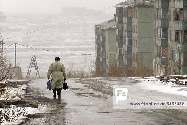 Drabness in a former GULAG town  200 km north of the Arctic Circle where snow covers the ground even in summer  Vorkuta  Russia  Eurasia