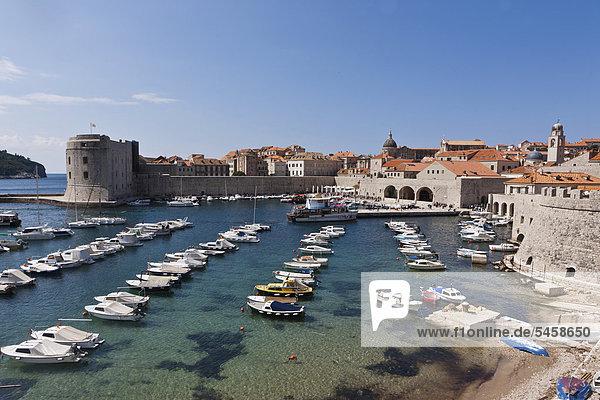 Boats in the harbour  old town of Dubrovnik  UNESCO World Heritage Site  central Dalmatia  Dalmatia  Adriatic coast  Croatia  Europe  PublicGround