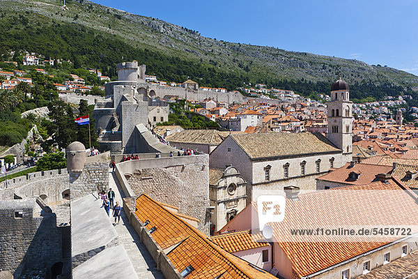Franciscan Monastery and city walls  old town of Dubrovnik  UNESCO World Heritage Site  central Dalmatia  Dalmatia  Adriatic coast  Croatia  Europe  PublicGround