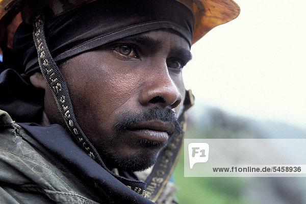 Straßenarbeiter  Rohtang Pass  Himachal Pradesh  indischer Himalaya  Nordindien  Indien  Asien