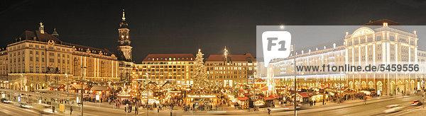 Weihnachtlicher Striezelmarkt in Dresden  Sachsen  Deutschland  Europa Weihnachtlicher Striezelmarkt in Dresden, Sachsen, Deutschland, Europa